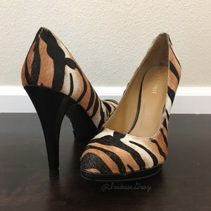 Nine West- Rocha Platform Pump Tiger Print SZ 8.5
